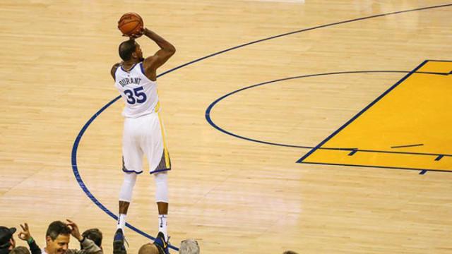 Golden State Warriors farklı kazandı