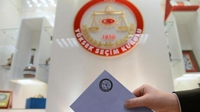 İstanbul'da skandal ! AK Partili ismin evinden onlarca seçmen çıktı
