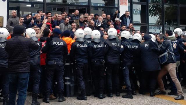 İzmir'de işçilere polis saldırdı: Çok sayıda gözaltı