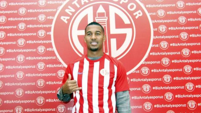 Vainqueur'un Antalyaspor'dan Monaco'ya transferi iptal oldu