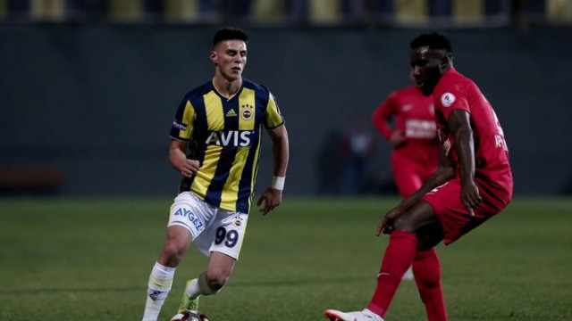 Ümraniyespor - Fenerbahçe maçında Eljif Elmas direkt kırmızı kart gördü
