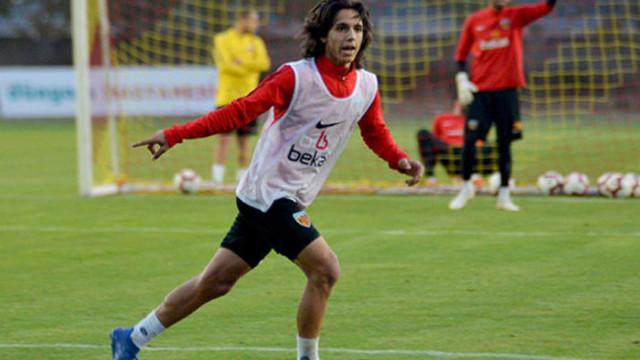 İstikbal Mobilya Kayserispor Emir Demir ile sözleşme imzaladı
