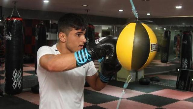 Milli boksörden acı haber