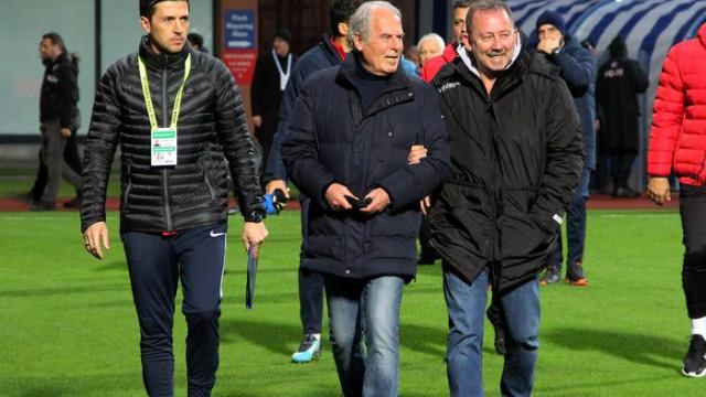 Mustafa Denizli: Futbolcularım turdan dışlanmayı kabul etmedi