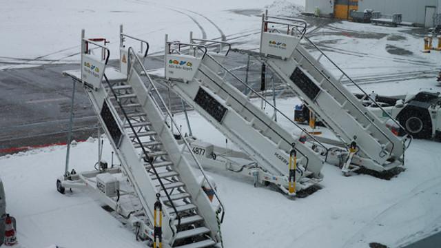 Almanya'da kar trafiği ! Uçuşlar iptal edildi
