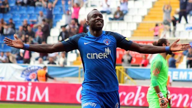 Mbaye Diagne çılgınlığı tüm dünyayı sardı