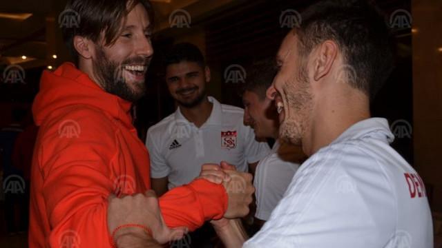 Sivasspor'da Ziya Erdal ve Mattias Bjarsmyr'e sürpriz doğum günü