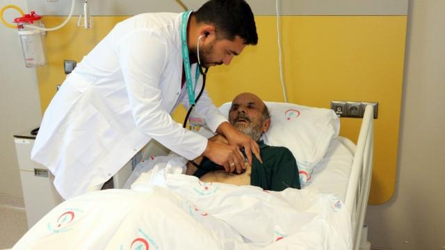 Kalbi duran hasta, 1 saat sonra hayata döndürüldü