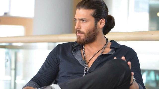 Can Yaman saçına ve sakalına veda edecek