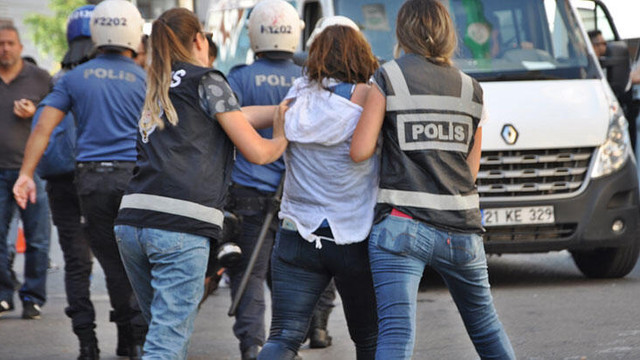 Diyarbakır HDP İl Binası önünde gerginlik: Gözaltılar var