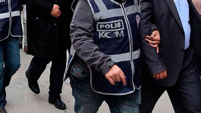İzmir'de ''Barış Pınarı'' operasyonu: 11 gözaltı
