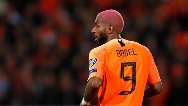 Johan Derksen'den Babel'e cevap! 'Çeneni kapat, B sınıfı oyuncu'