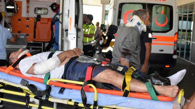 Yolcu otobüsü devrildi: 29 yaralı