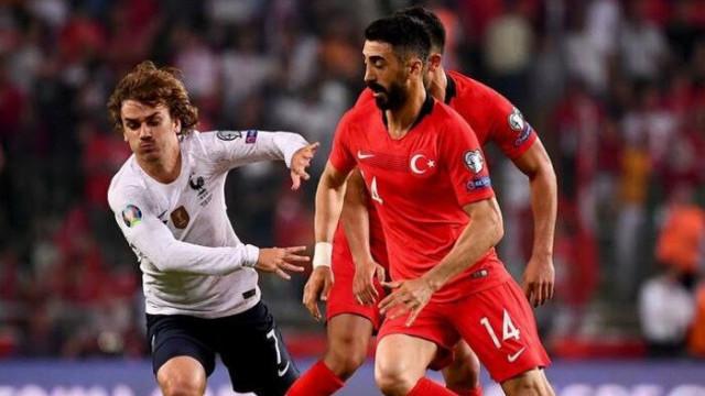 Fransız gazetecilerden Türkiye maçı yorumu