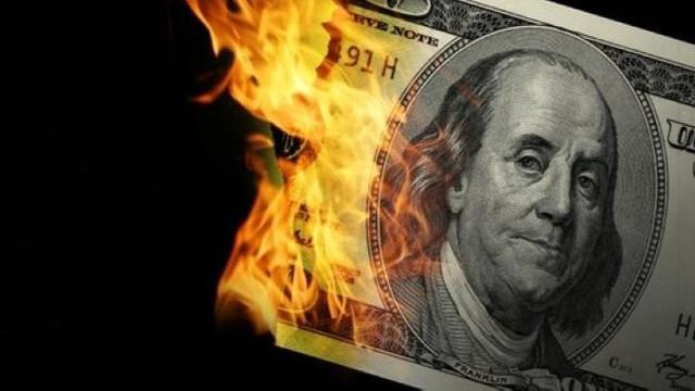Piyasalar alev aldı... Dolar 6 liraya koşuyor