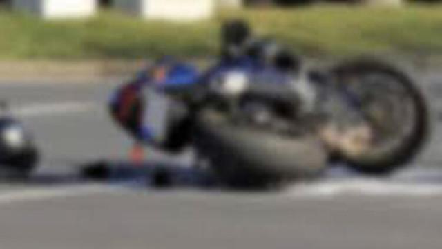 Motosikletle kendisine çarpan genci sınav yaptı