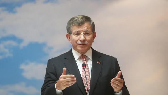 Davutoğlu'ndan AK Partililere rest: Yüreği olan karşımıza çıksın