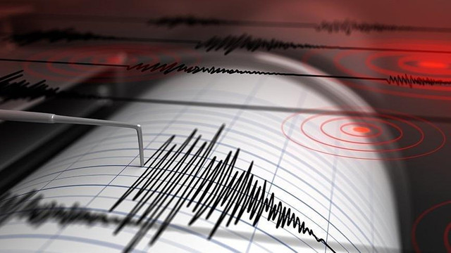 Van'da korkutan deprem ! Vatandaş paniğe kapıldı