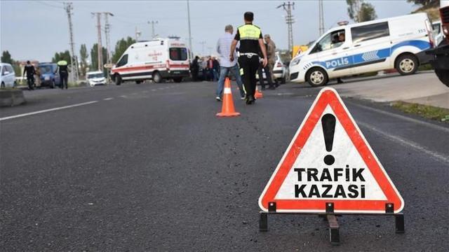 Giresun'da öğrenci servisi duvara çarptı: 10 yaralı