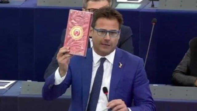 Avrupa Parlamentosu'ndaki hadsiz vekile ceza !