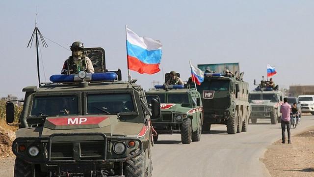 Rus askeri polisi Kamışlı'da ilk kez devriye yaptı