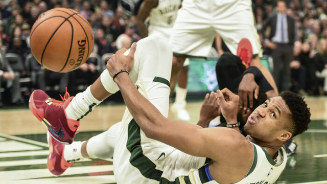 Milwaukee Bucks 129 - 112 Cleveland Cavaliers
