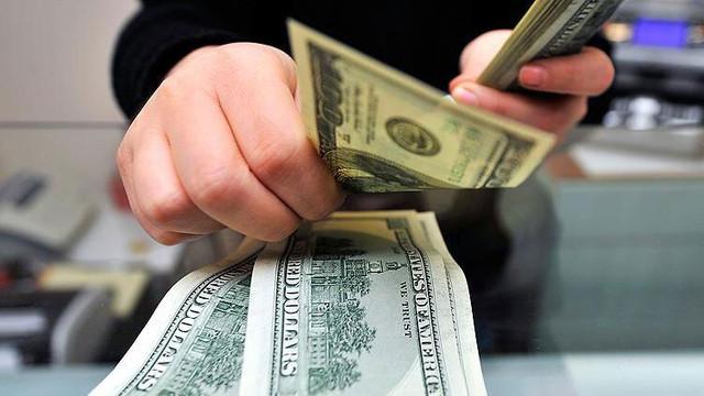 1 milyon dolarlık banknotla hesap açtırmak istedi