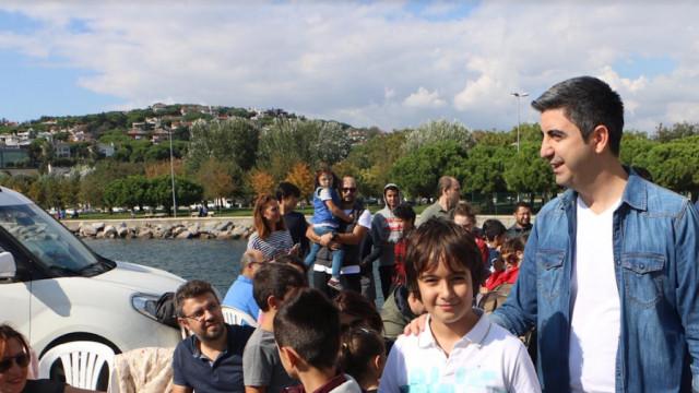 Kartal'ın minik yelkencileri sertifikalarını Başkan Gökhan Yüksel'den aldı