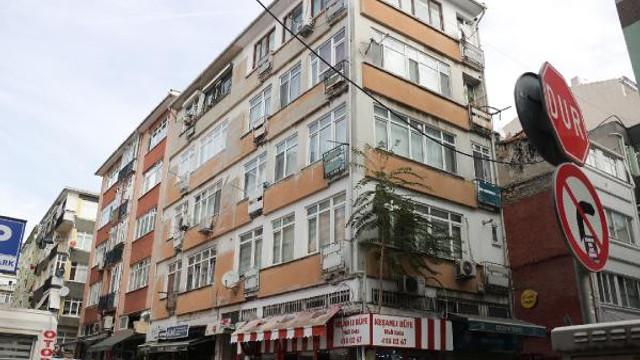 Kadıköy'de 5 katlı bina mühürlendi