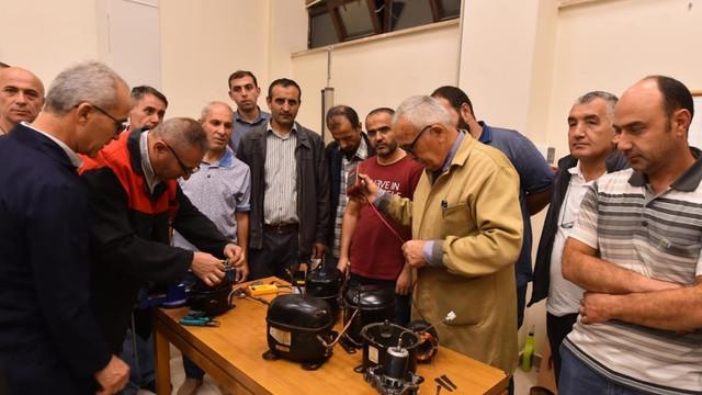 Ankara Büyükşehir Belediyesi meslek sahibi yapıyor