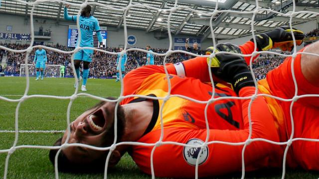 Tottenham'da Hugo Lloris sahalardan en az 3 ay uzak kalacak