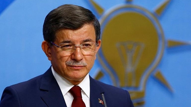 Akit'ten AK Parti'ye Davutoğlu sopası