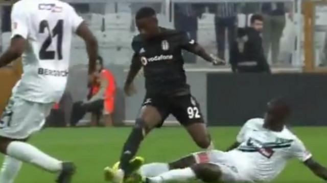 Abdoulay Diaby-Isaac Sackey pozisyonu maça damga vurdu (Hakem Özgür Yankaya'ya tepki)