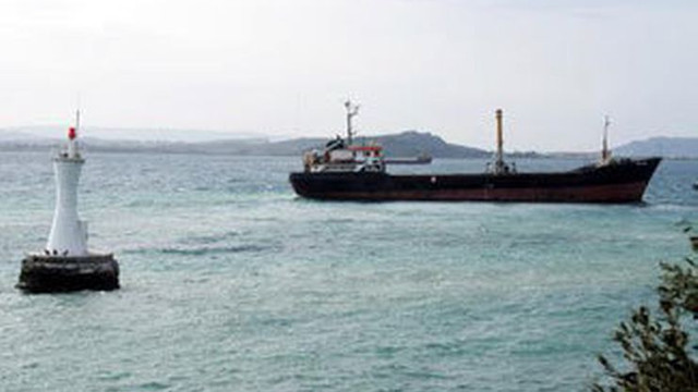 İstanbul'da denizden binlerce ton kum çalındı!