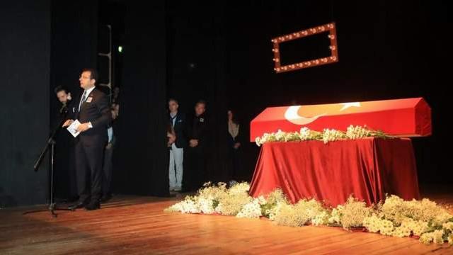 Ekrem İmamoğlu: ''Kenter Tiyatrosu bize emanet''