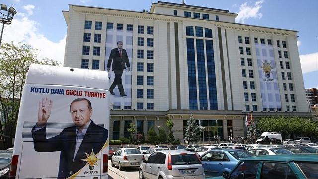''AK Parti'den 900 bin üye gitti''