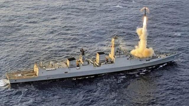 Brahmos füze denizde test edildi