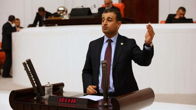 Meclis'te AK Parti'nin liyakat sisteminin nasıl çökerttiğini anlattı