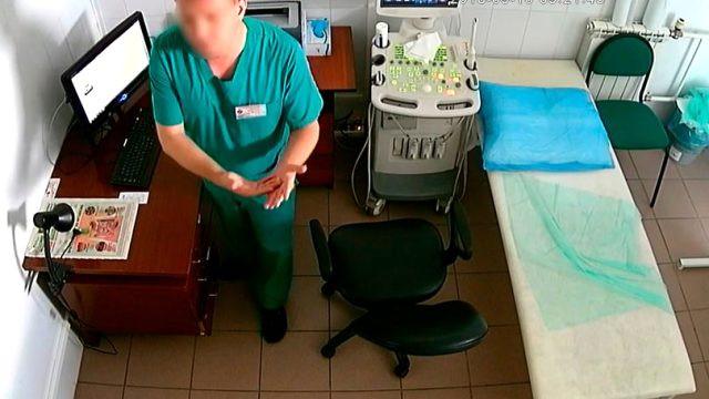 Doktorun gizli kamera rezaleti ! Görüntüleri cinsel içerikli sitelere atmış
