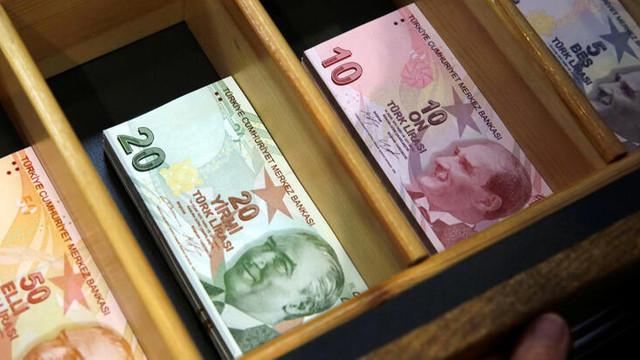 Hazine 2,3 milyar lira borçlandı