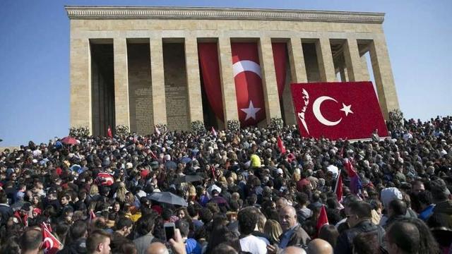 10 Kasım'a ''bayram'' ifadesi için soruşturma başlatıldı !