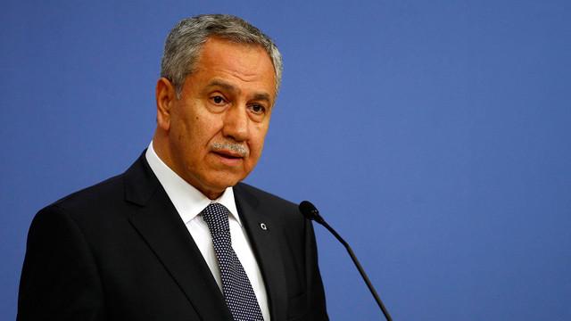 Beştepe'de toplantıya katılan Bülent Arınç istifa mı etti ?
