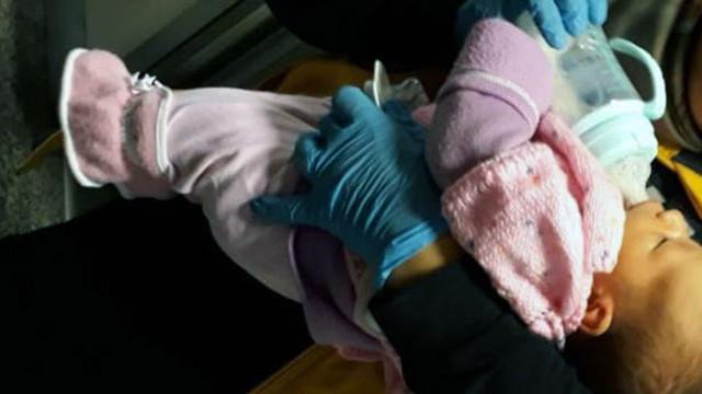 Vicdansızlar! 15 günlük bebeği sokağa attılar