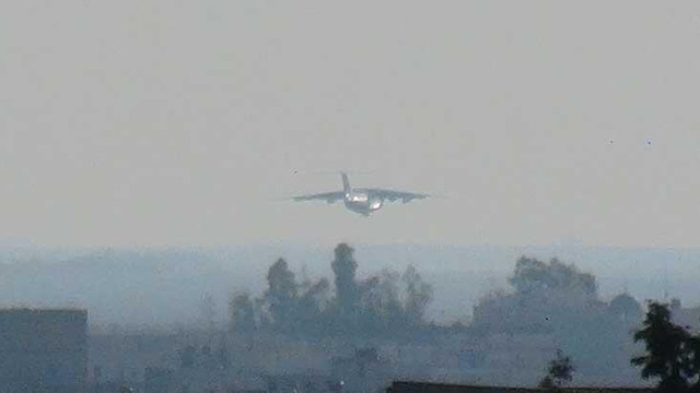 Kamışlı'ya inen Rus uçağı Nusaybin'den görüntülendi