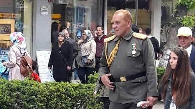''Atatürk'ü istismar ediyor''