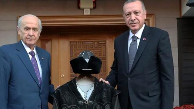 AK Parti'nin oyları MHP'ye kayıyor !