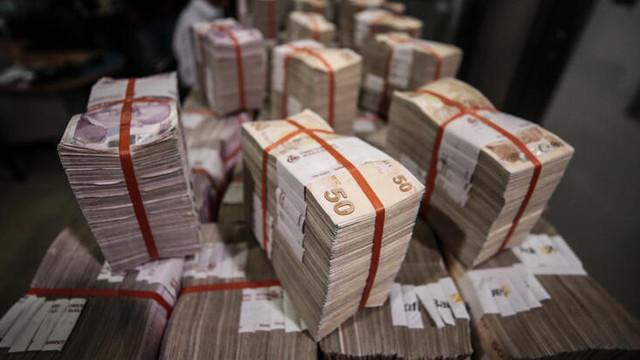 Hazine 5.7 milyar lira borçlandı
