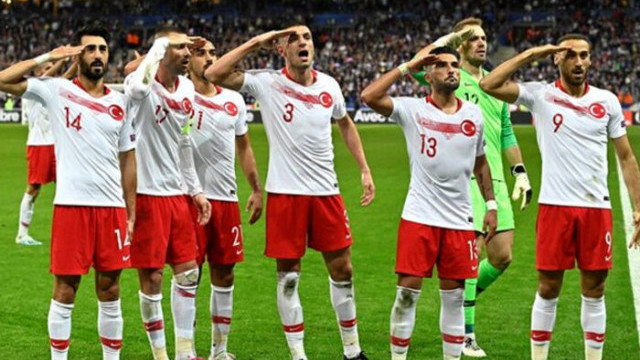 TFF, UEFA'daki asker selamı soruşturması için savunma verdi