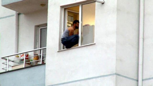Polisi görünce intihara kakıştı !
