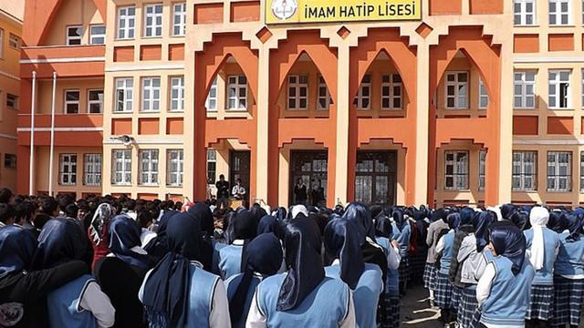 Diyanet, imam hatipleri ''kalitesiz'' ilan etti